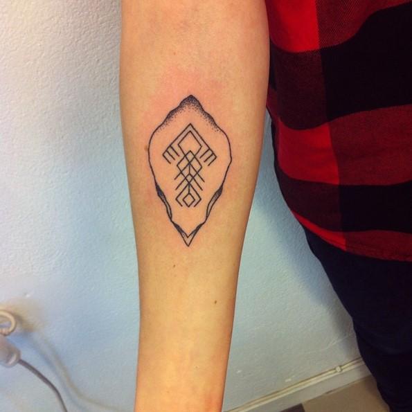 Stick And Poke Arrow Head Tattoos
