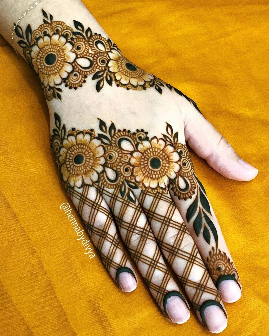 Traditional Henna Designs (2)