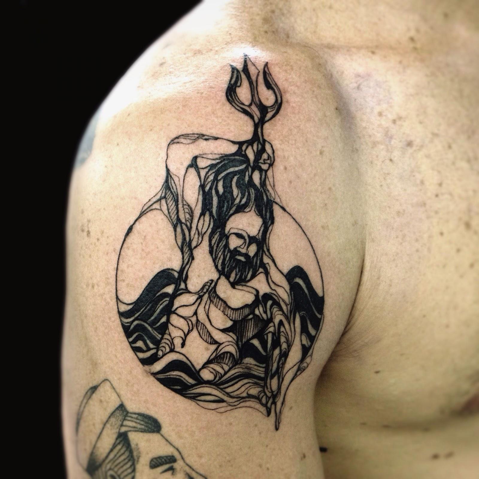 Shoulder Tattoos For Men Design Pictures (3)