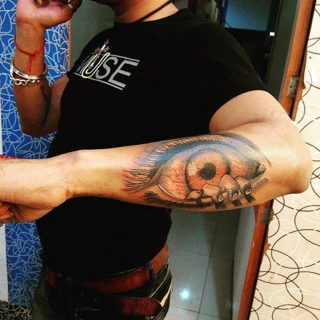 Eyeball Tattoo On Arm (8)
