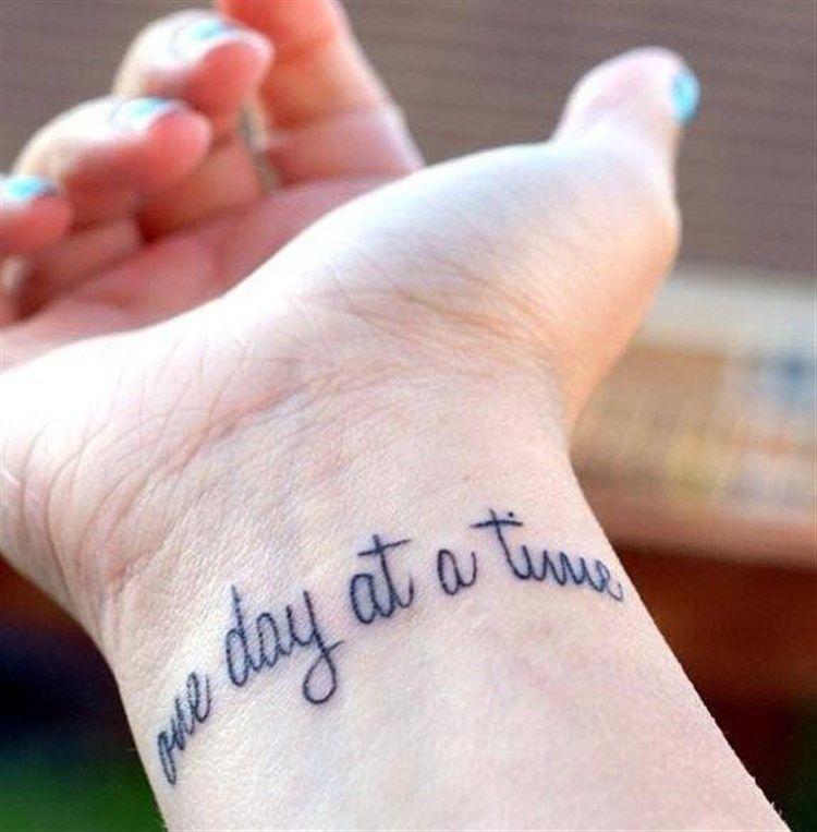 Tattoos Schriftzüge Mit Bedeutung (115)
