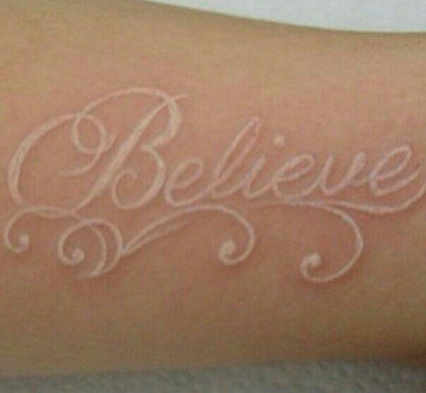 Tattoos Schriftzüge Mit Bedeutung (120)