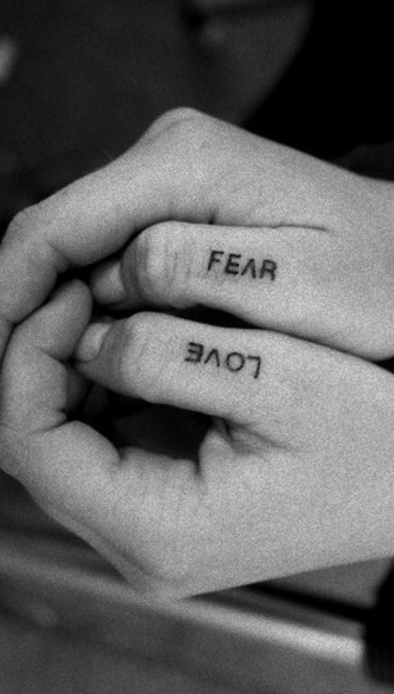 Tattoos Schriftzüge Mit Bedeutung (147)
