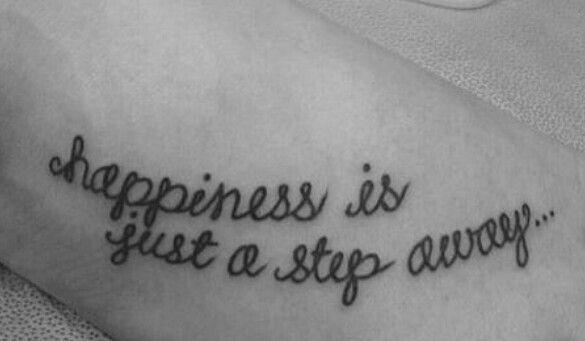 Tattoos Schriftzüge Mit Bedeutung (176)