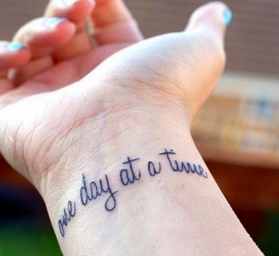 Tattoos Schriftzüge Mit Bedeutung (23)