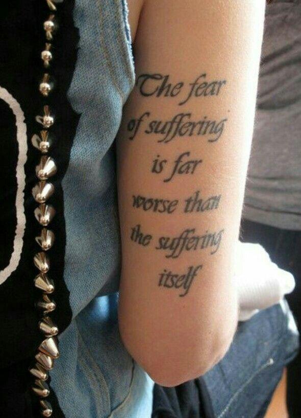 Tattoos Schriftzüge Mit Bedeutung (242)