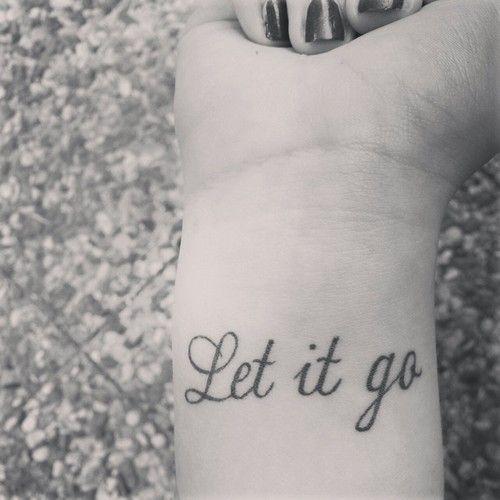 Tattoos Schriftzüge Mit Bedeutung (319)