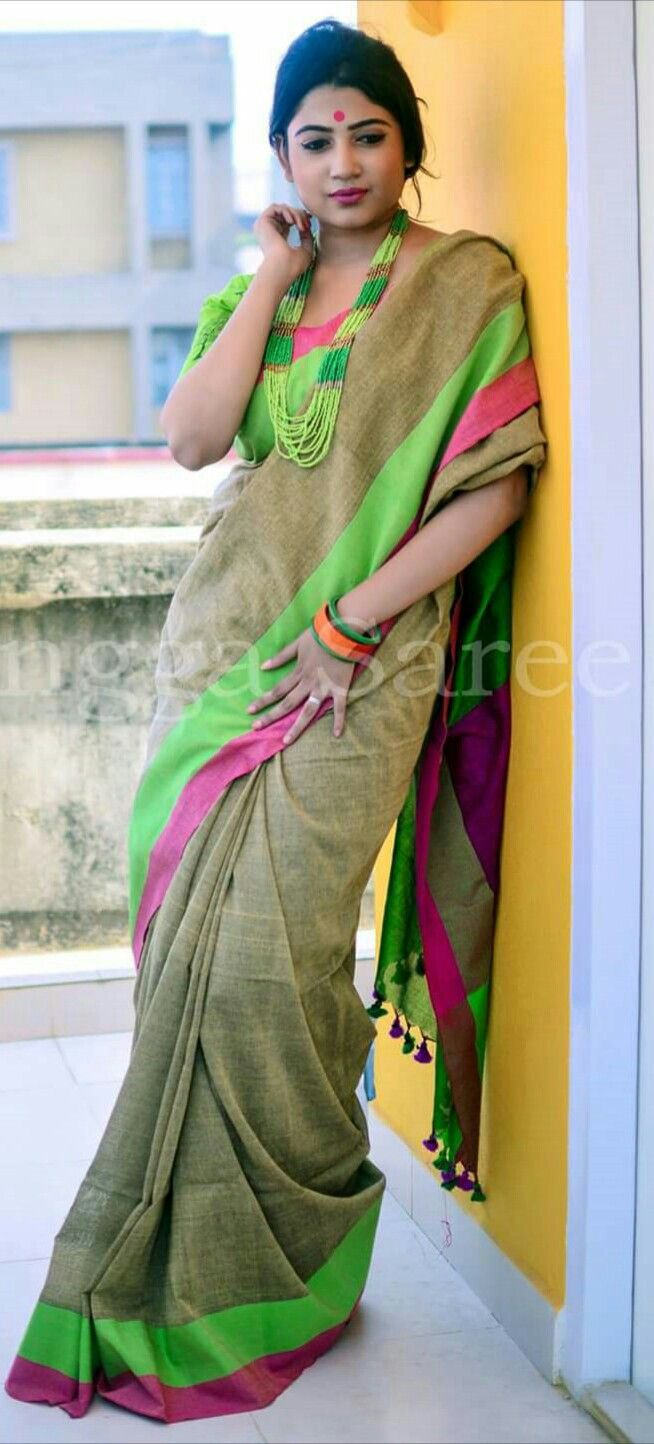 Different Saree Wearing Style (121)