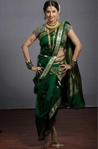 Different Saree Wearing Style (146)
