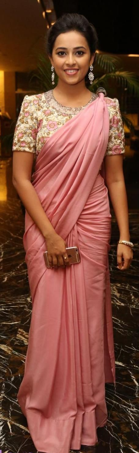 Different Saree Wearing Style (150)