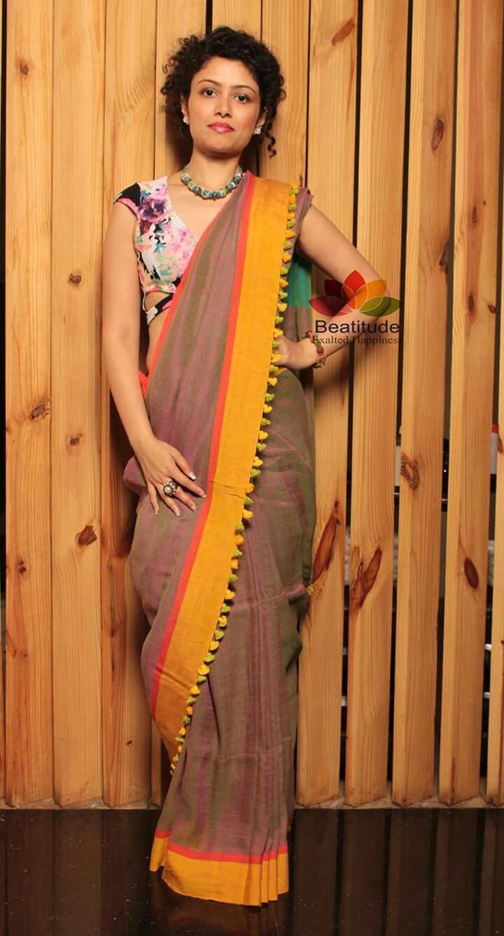 Different Saree Wearing Style (195)