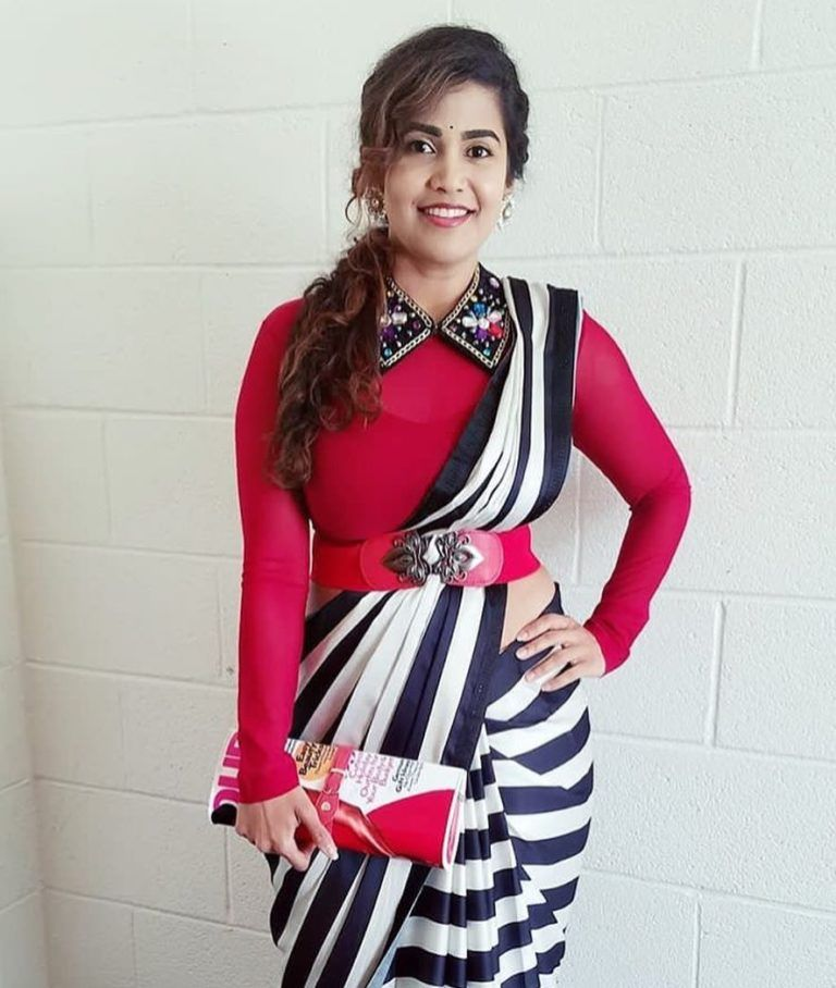 Different Saree Wearing Style (226)