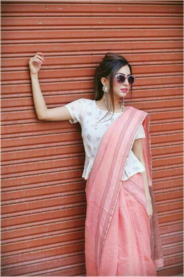 Different Saree Wearing Style (254)