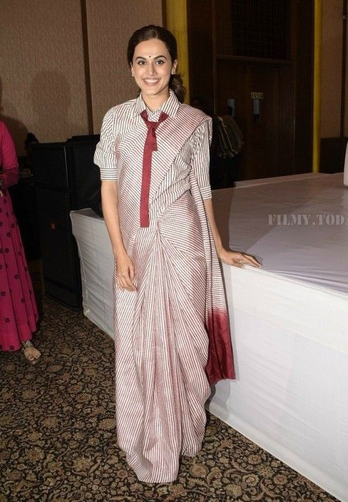 Different Saree Wearing Style (257)