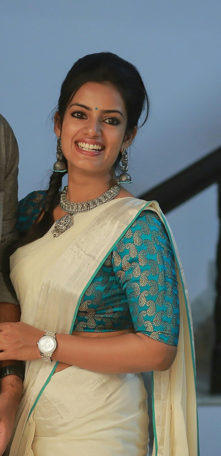 Different Saree Wearing Style (322)