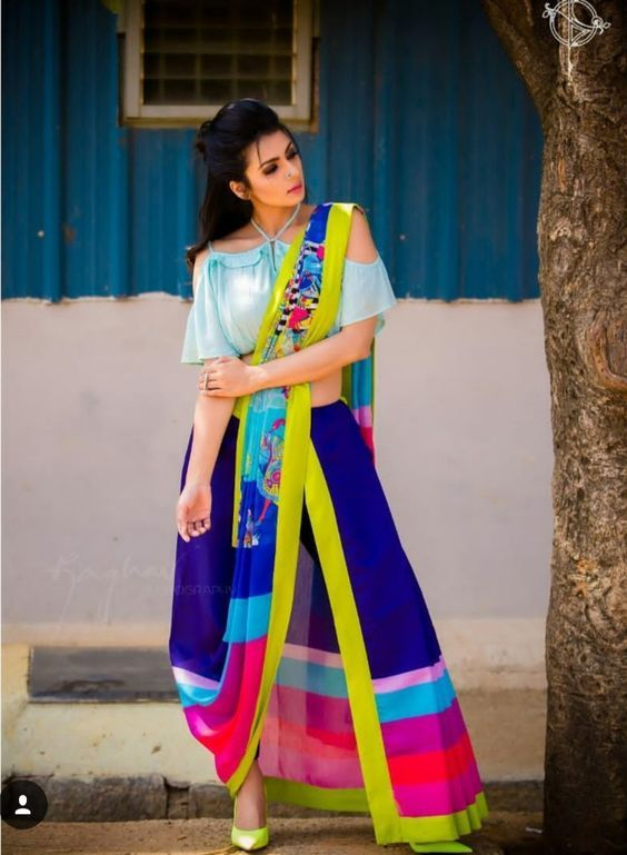 Different Saree Wearing Style (82)