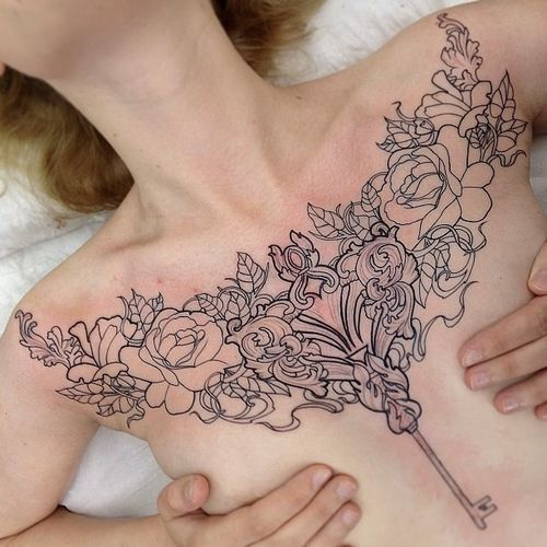 Female Chest Tattoo Pictures Ideas (117)