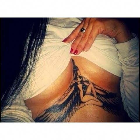 Female Chest Tattoo Pictures Ideas (127)