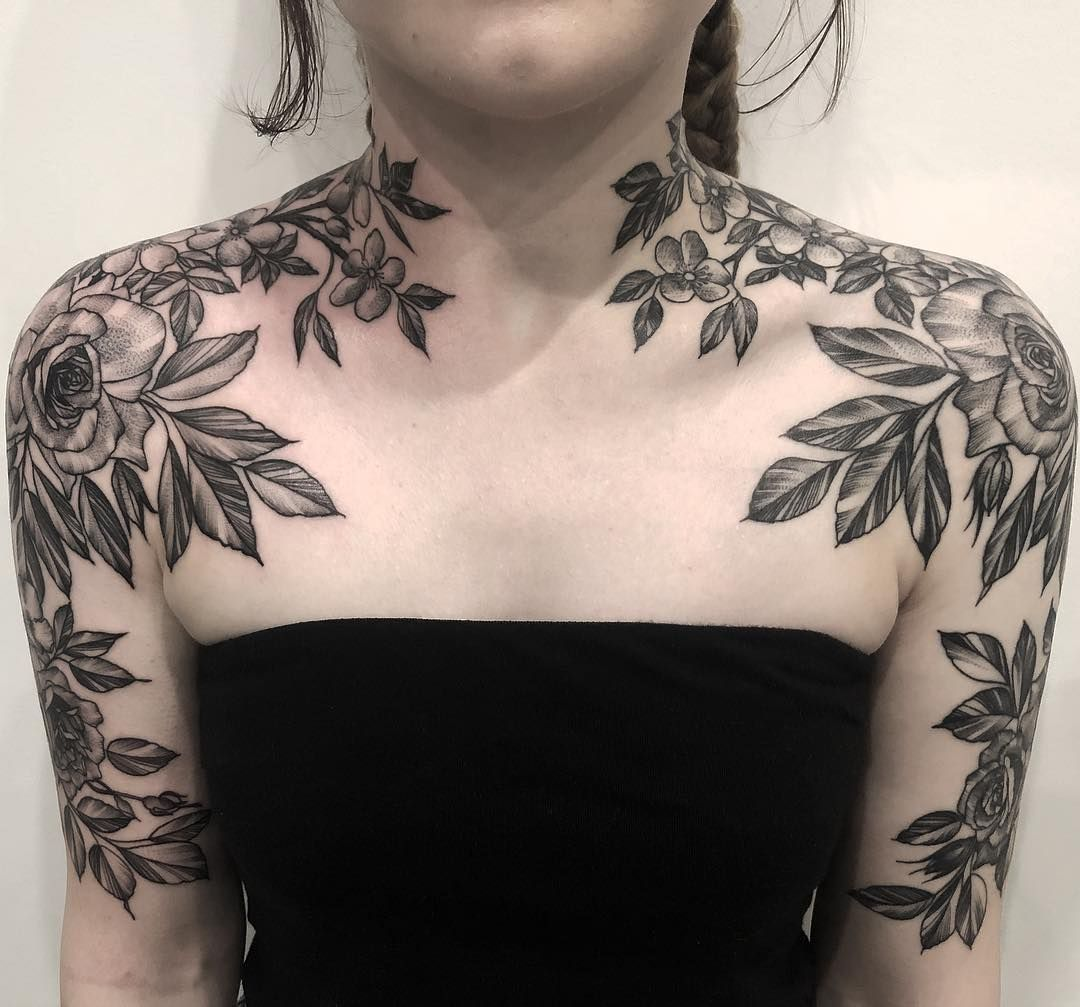 Female Chest Tattoo Pictures Ideas (131)