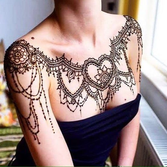 Female Chest Tattoo Pictures Ideas (140)