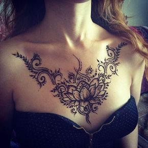 Female Chest Tattoo Pictures Ideas (150)