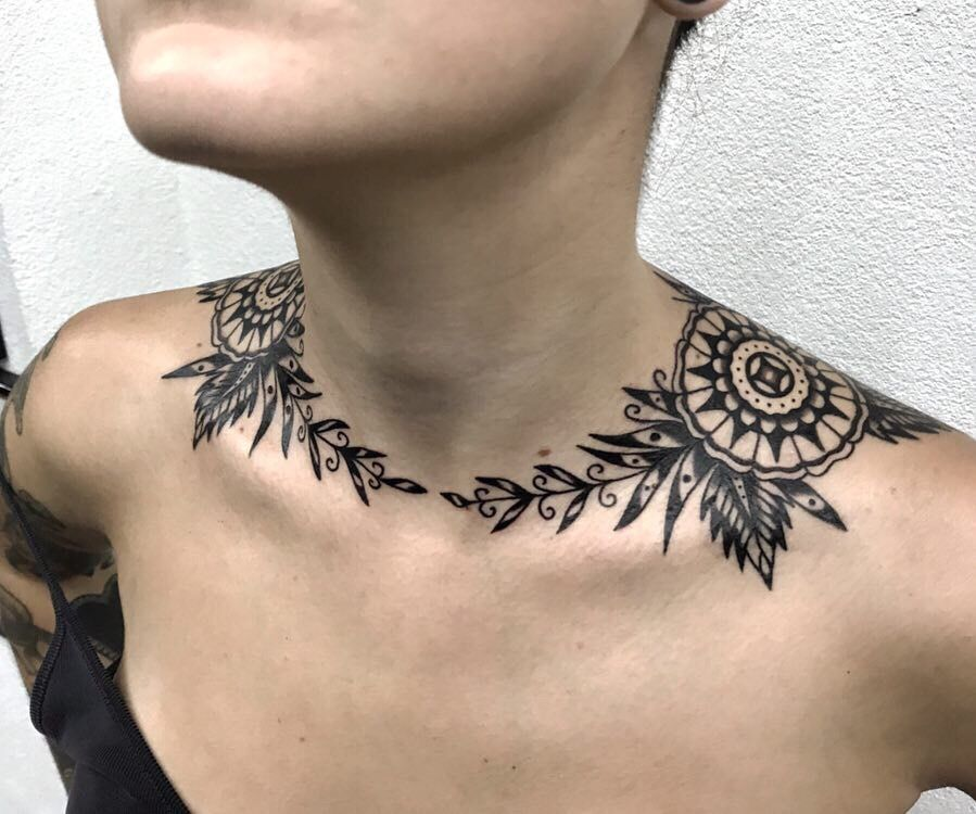 Female Chest Tattoo Pictures Ideas (155)