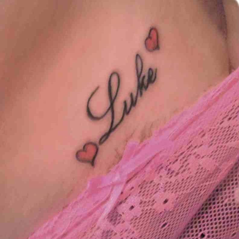 Female Chest Tattoo Pictures Ideas (207)