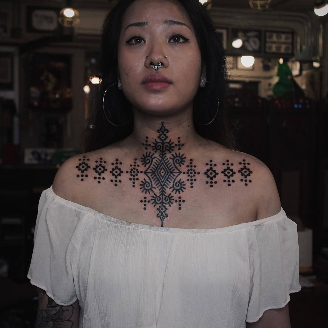 Female Chest Tattoo Pictures Ideas (21)