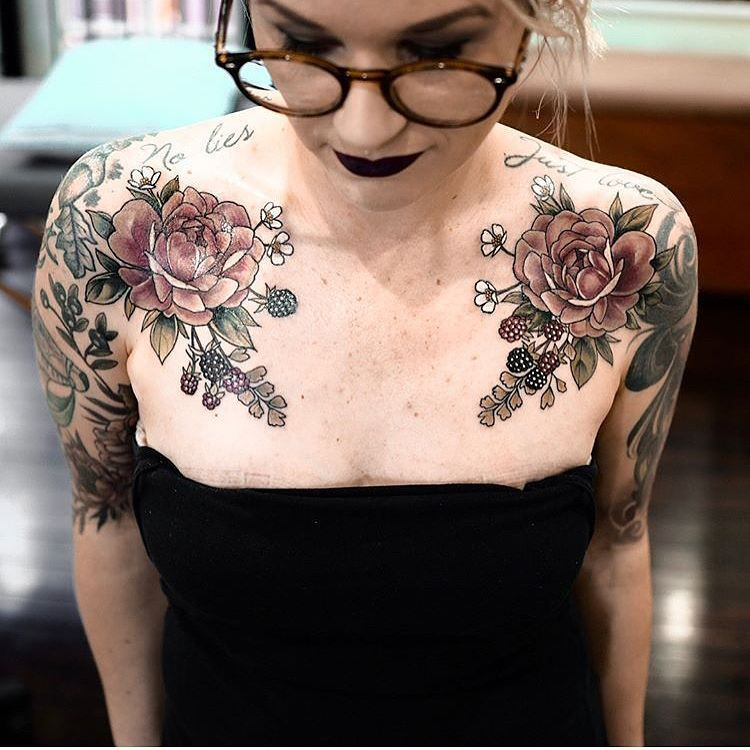 Female Chest Tattoo Pictures Ideas (32)