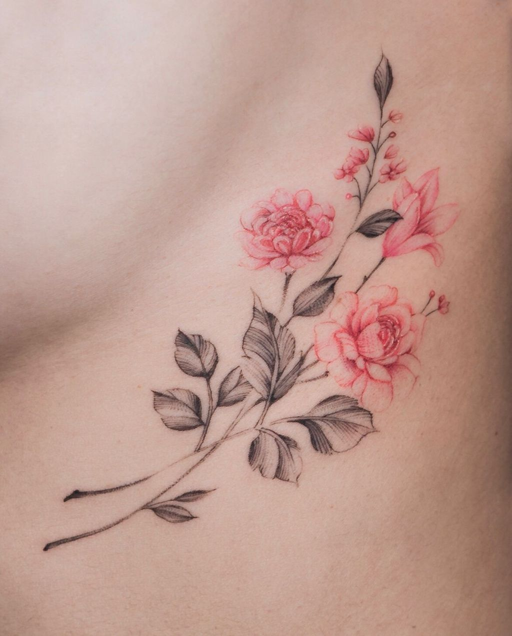Female Chest Tattoo Pictures Ideas (37)