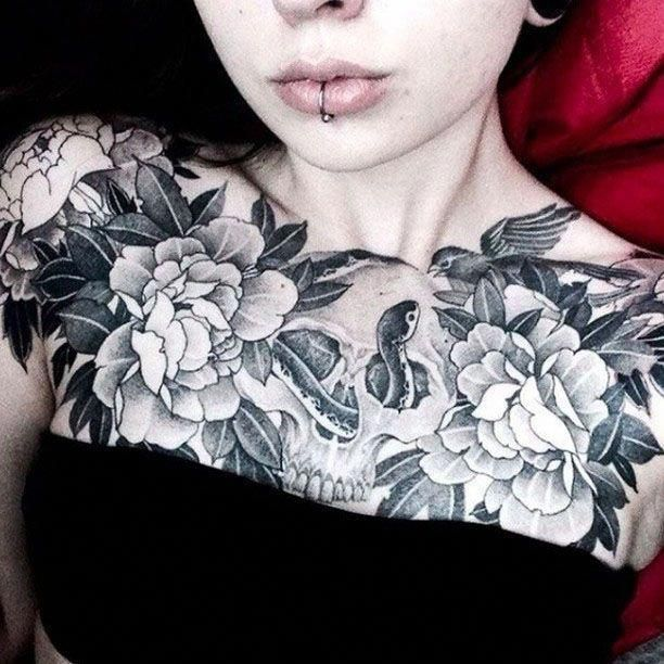 Female Chest Tattoo Pictures Ideas (44)