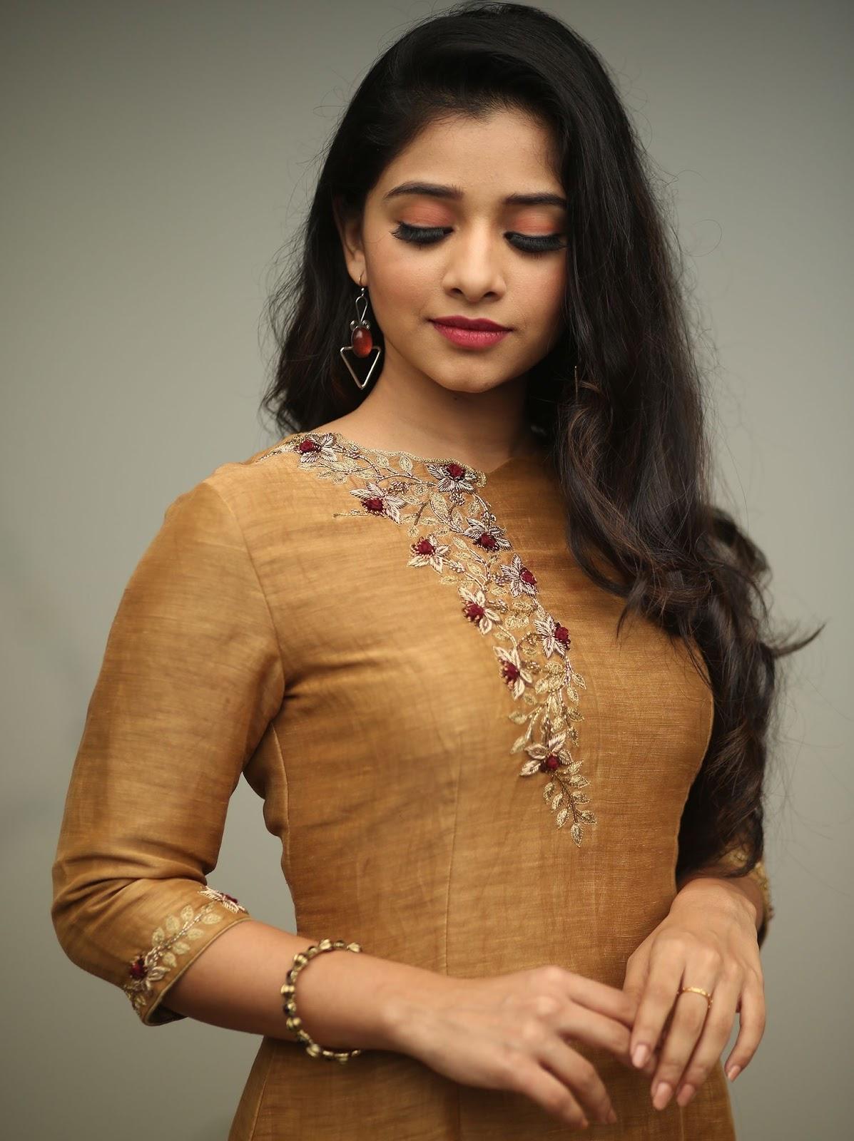 Latest Churidar Neck Models Salwar Patterns (235)