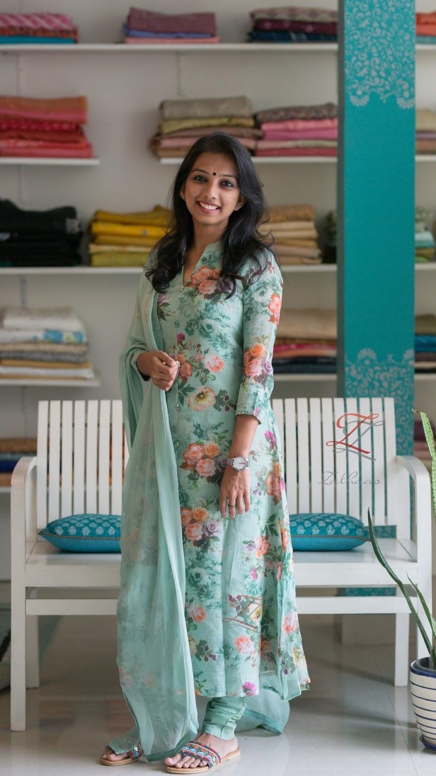 Salwar Kameez Neck Designs Catalogue (162)