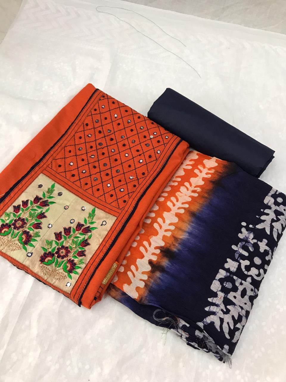 Salwar Kameez Neck Designs Catalogue (36)