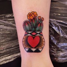 Small Simple Cactus Tattoo Designs (189)