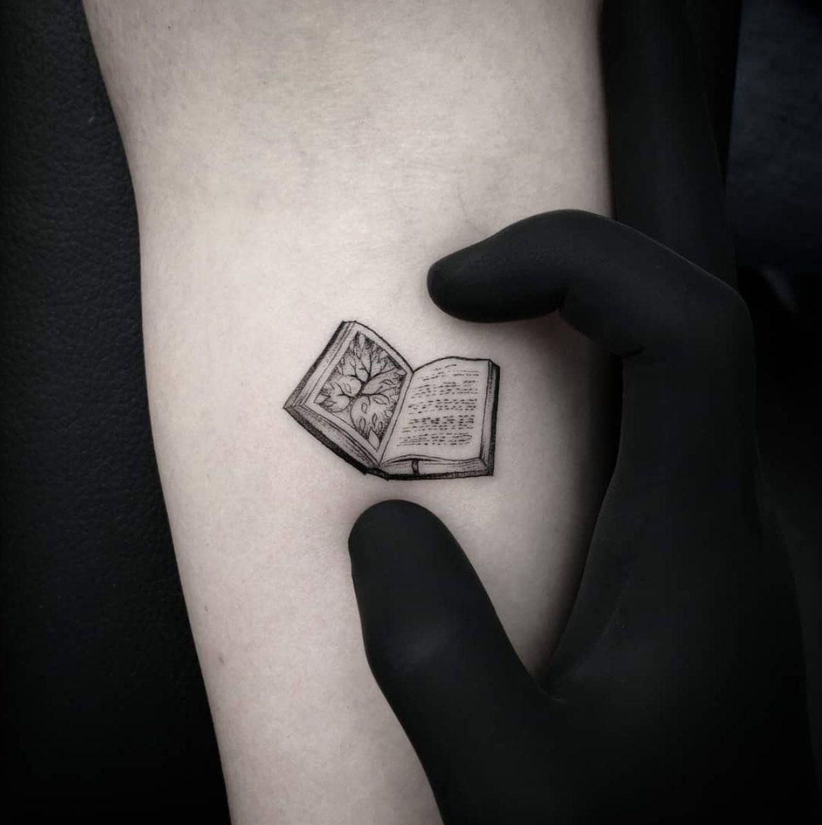 Tatuagens Femininas Delicadas No Braço (159)