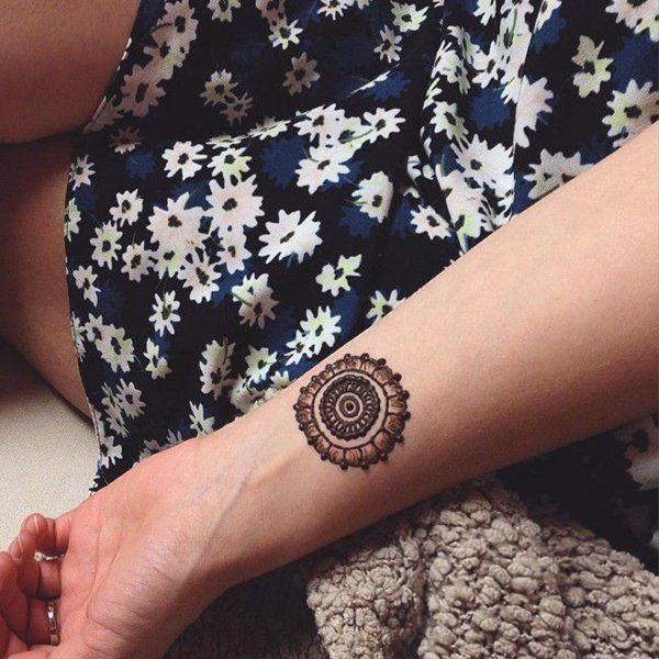 Tatuagens Femininas Delicadas No Braço (181)