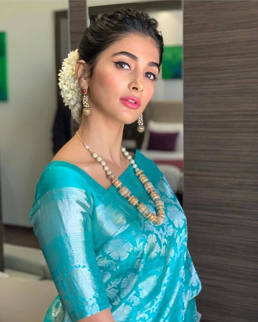 Blouse Designs For Pattu Silk Sarees (133)