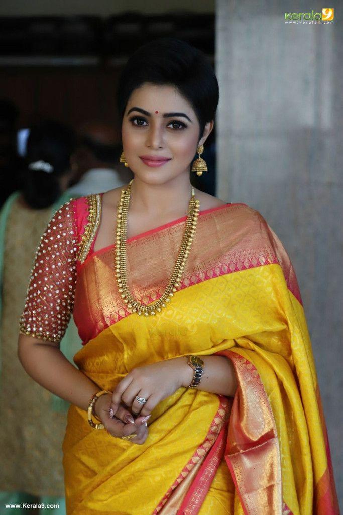 Blouse Designs For Pattu Silk Sarees (187)