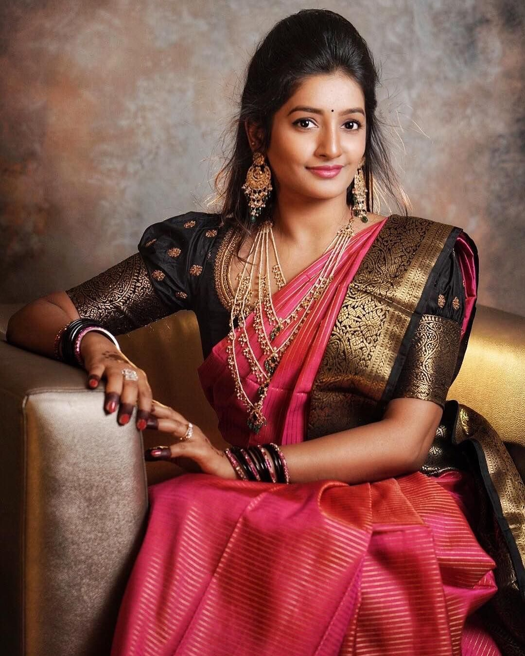 Blouse Designs For Pattu Silk Sarees (42)