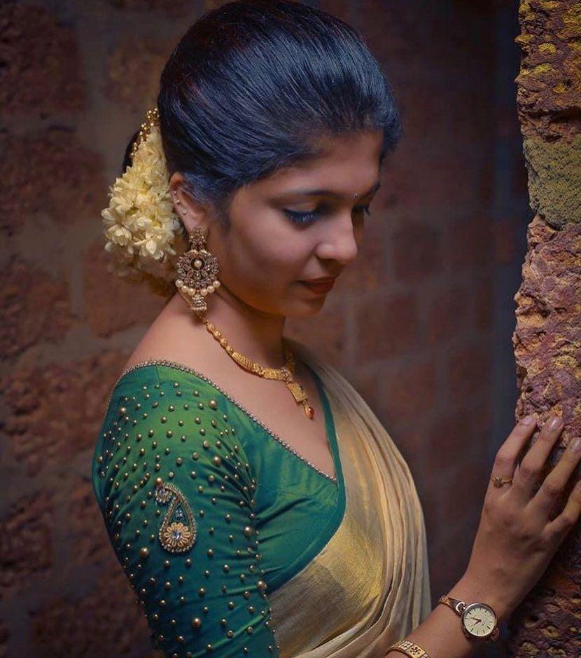 Blouse Designs For Pattu Silk Sarees (5)