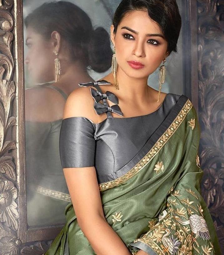 Blouse Designs For Pattu Silk Sarees (72)