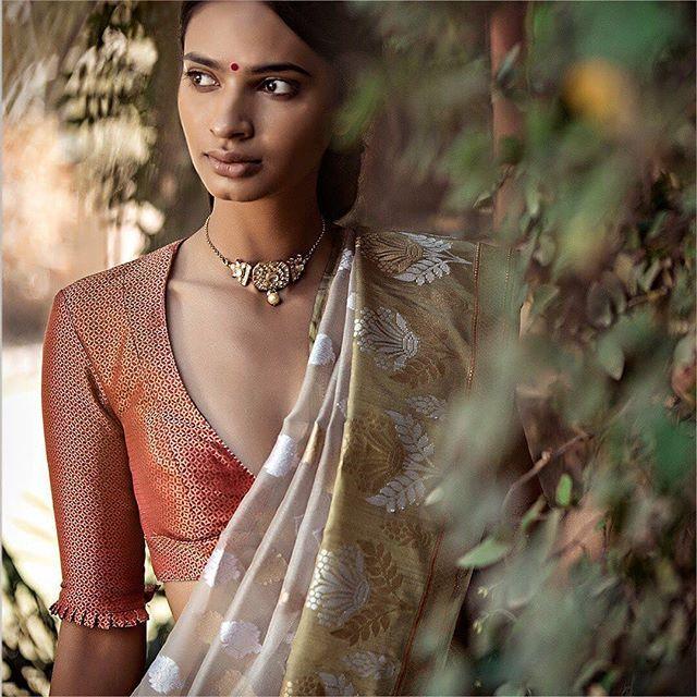 Blouse Designs For Pattu Silk Sarees (83)