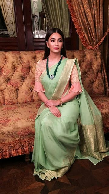 Blouse Designs For Pattu Silk Sarees (92)