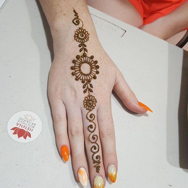 Easy Mehndi Designs Simple Latest (49)