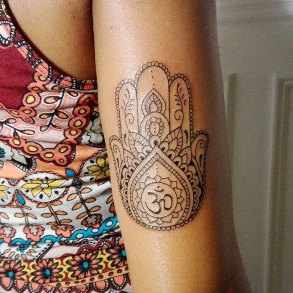 Hamsa Hand Tattoo Designs (133)