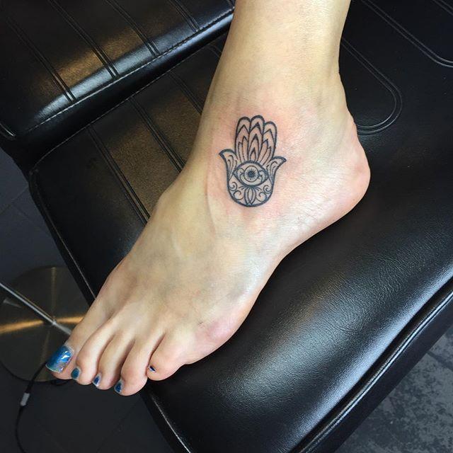 Hamsa Hand Tattoo Designs (140)