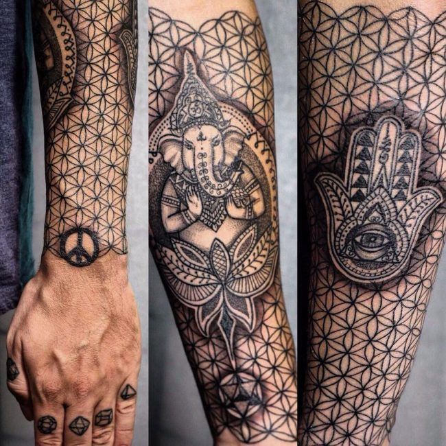 Hamsa Hand Tattoo Designs (160)