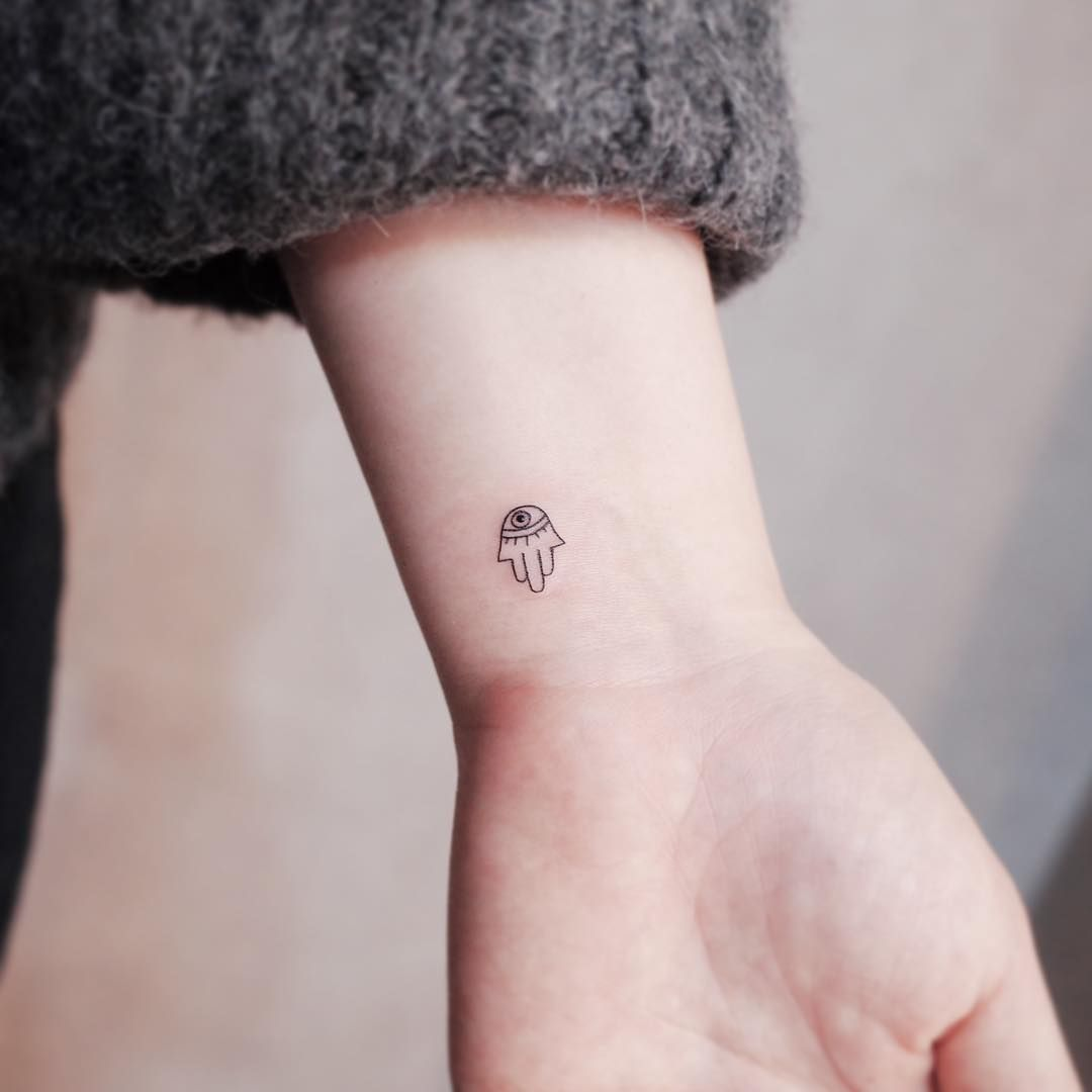Hamsa Hand Tattoo Designs (162)
