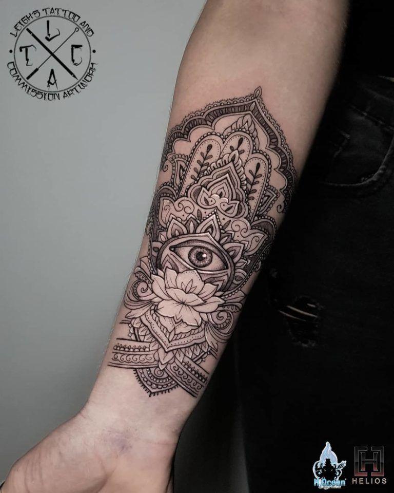 Hamsa Hand Tattoo Designs (226)